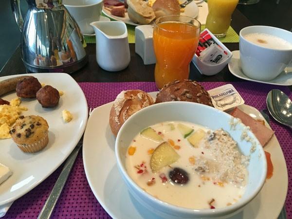 Frühstück im art'otel