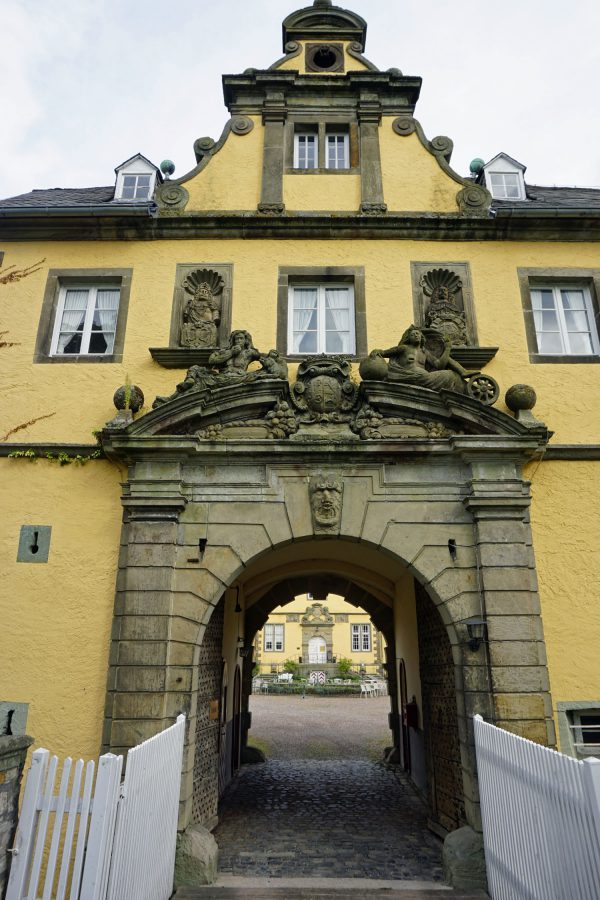 Tor zum Schloss