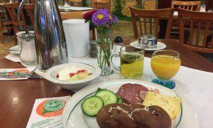 Frühstück im Hopfenhotel in der Hallertau